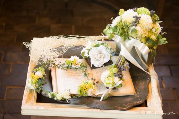 ホワイト×グリーンクラッチブーケ・花冠・ブートニア・リングピロー